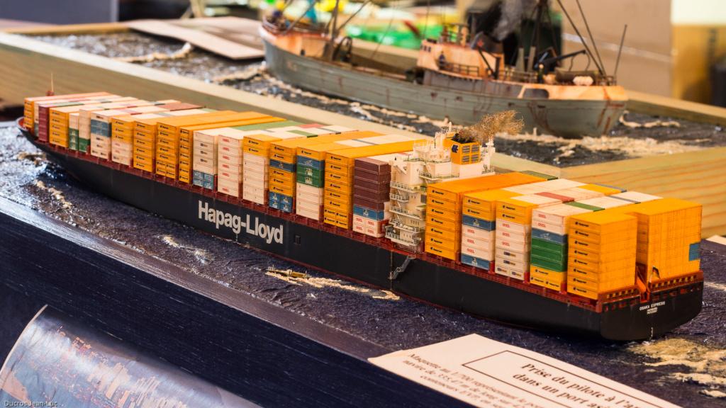 Dio : Prise pilote du porte-conteneurs Colombo Express (Revell 1/700°) par PLEF Img_2612