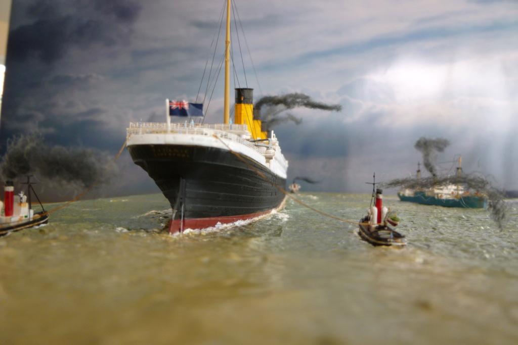 Dio : Titanic en essais avec remorqueurs & caboteur (1/700°) par PLEF P1010113