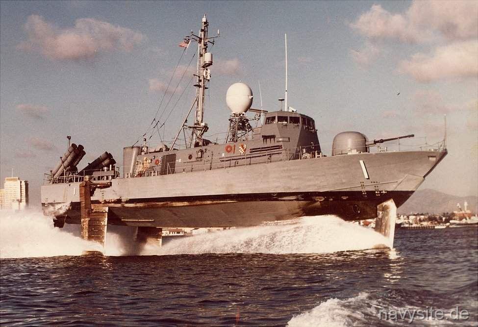 USS Pegasus hydroptère Hobby Boss 1/200. Phm1_110