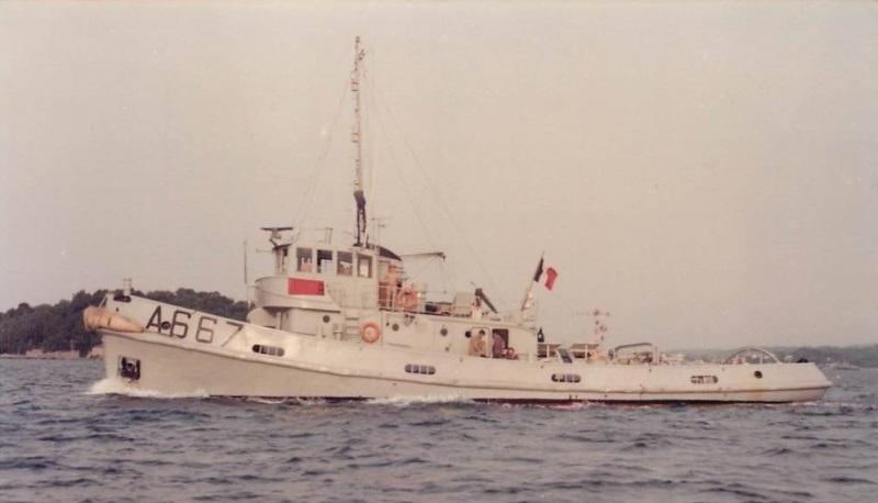 Dock flottant Ostrow II maquette en papier JSC 1/400. - Page 4 Remorq18