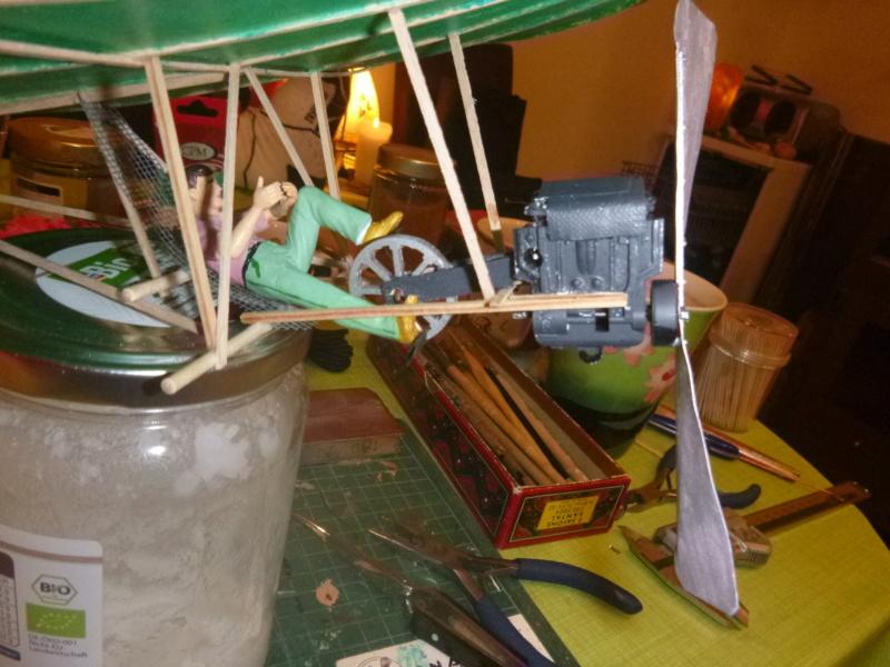Flugzeug mit Pedalantrieb für meine Eisenbahn Anlage 1:22,5 Traumland  P1080026