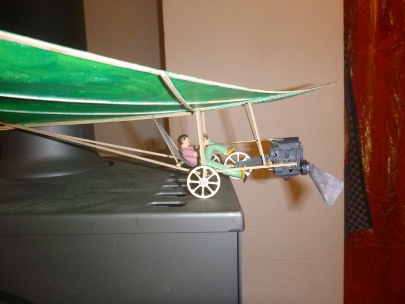 Flugzeug mit Pedalantrieb für meine Eisenbahn Anlage 1:22,5 Traumland  P1080029