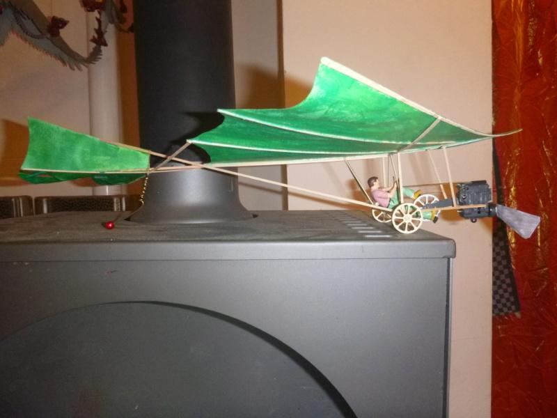 Flugzeug mit Pedalantrieb für meine Eisenbahn Anlage 1:22,5 Traumland  P1080031