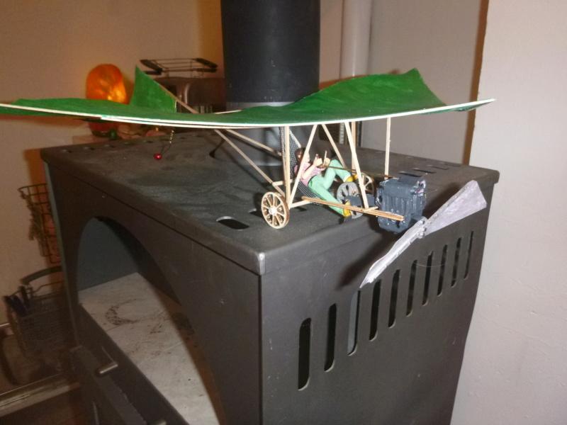 Flugzeug mit Pedalantrieb für meine Eisenbahn Anlage 1:22,5 Traumland  P1080032