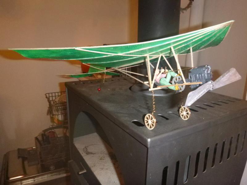 Flugzeug mit Pedalantrieb für meine Eisenbahn Anlage 1:22,5 Traumland  P1080036