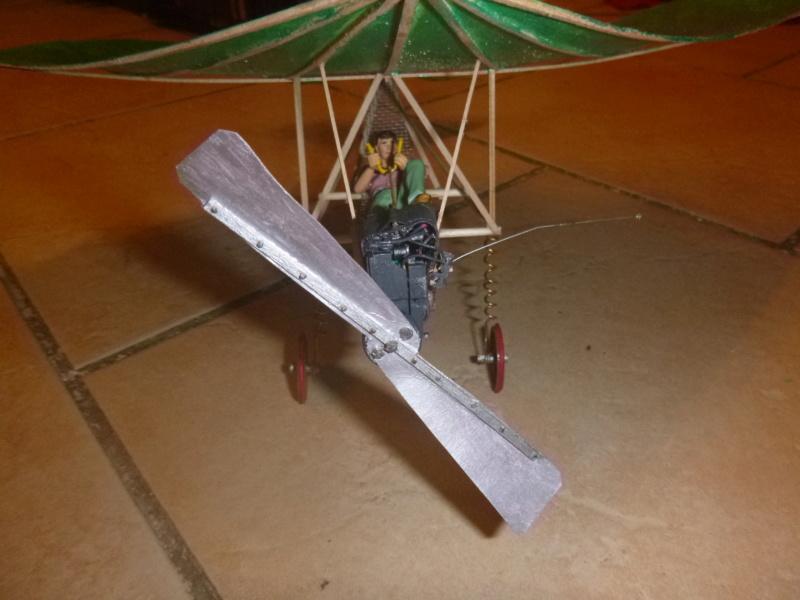 Flugzeug mit Pedalantrieb für meine Eisenbahn Anlage 1:22,5 Traumland  P1080041