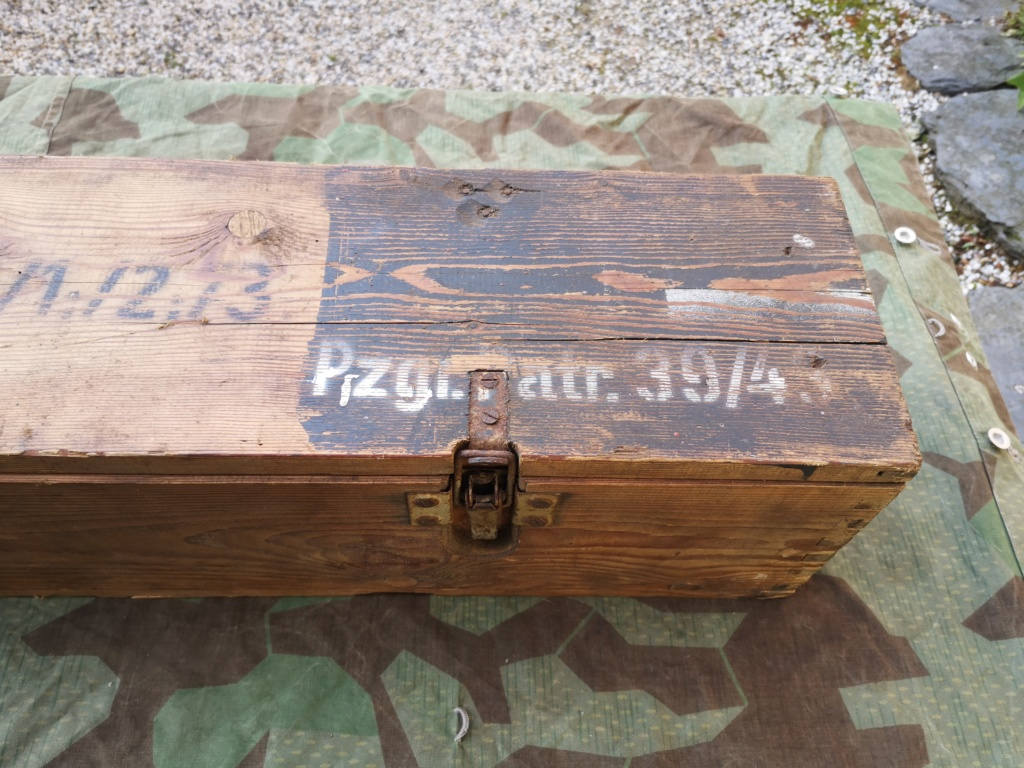 Couteaux allemands, kits Rg34 et caisse 8,8 cm Kw.K.43 Img_2999