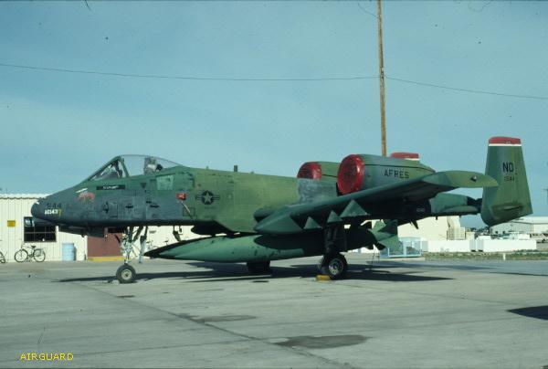 "OA-10A ""Warthog"" 1/72 Italeri + Canon GAU-8 Avenger de Master. - Page 2 Desert10"