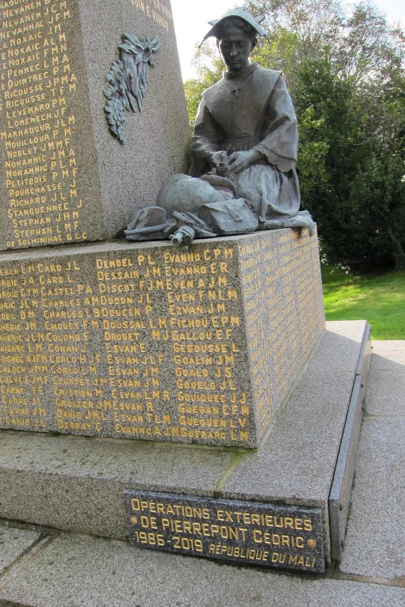 [ Histoires et histoire ] Monuments aux morts originaux Français Tome 2 - Page 18 Acb_4221