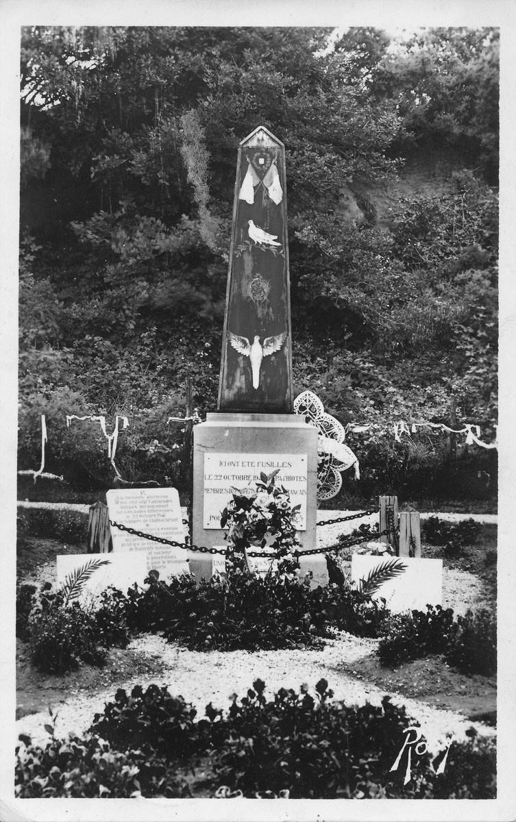 [ Histoires et histoire ] Monuments aux morts originaux Français Tome 2 - Page 20 Acb_m332