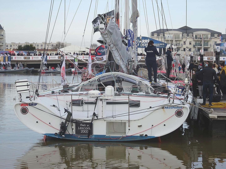 Vendée Globe 2020 , les bateaux - Page 2 Dsc08413