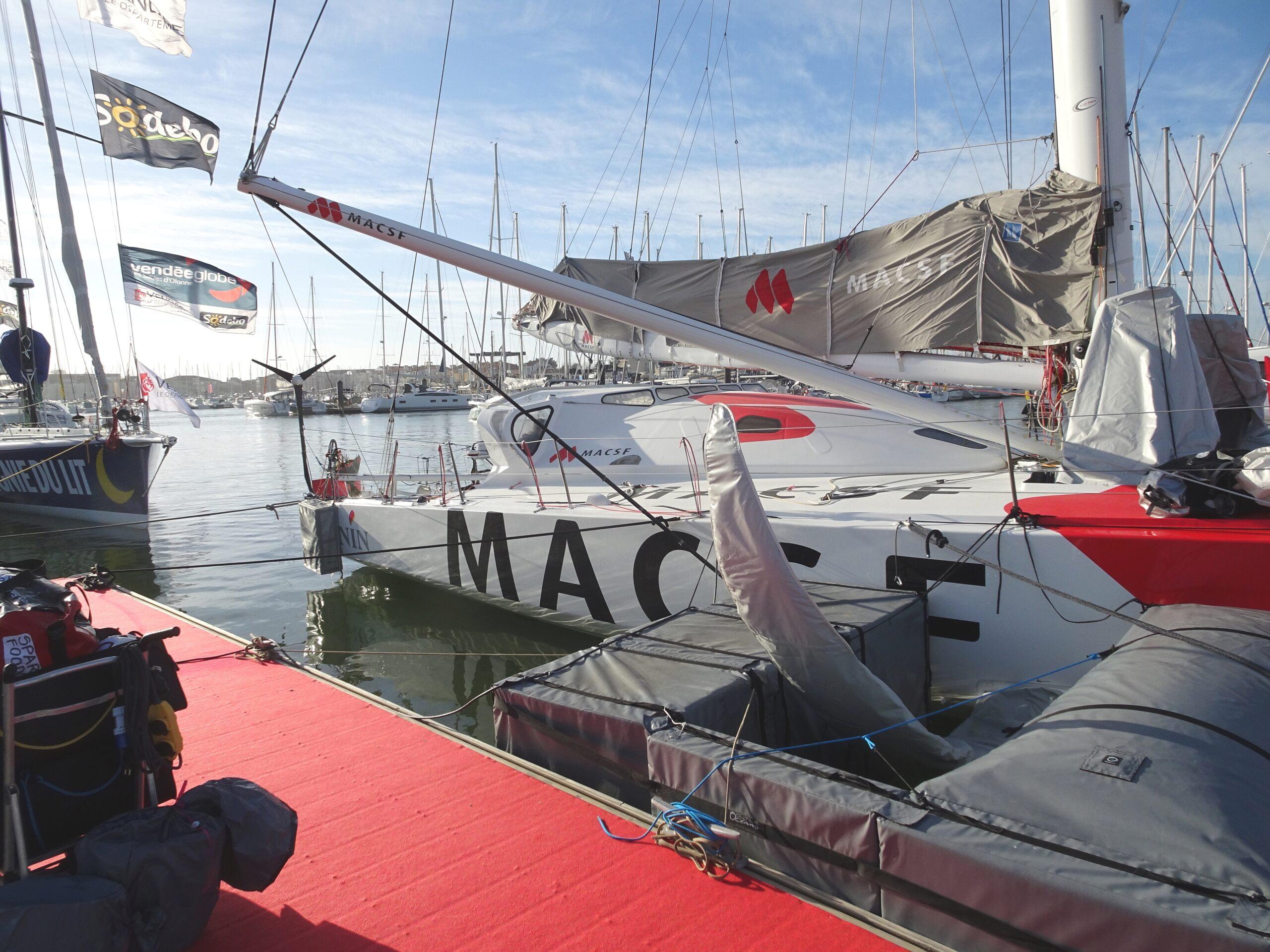 Vendée Globe 2020 , les bateaux - Page 2 Dsc08433