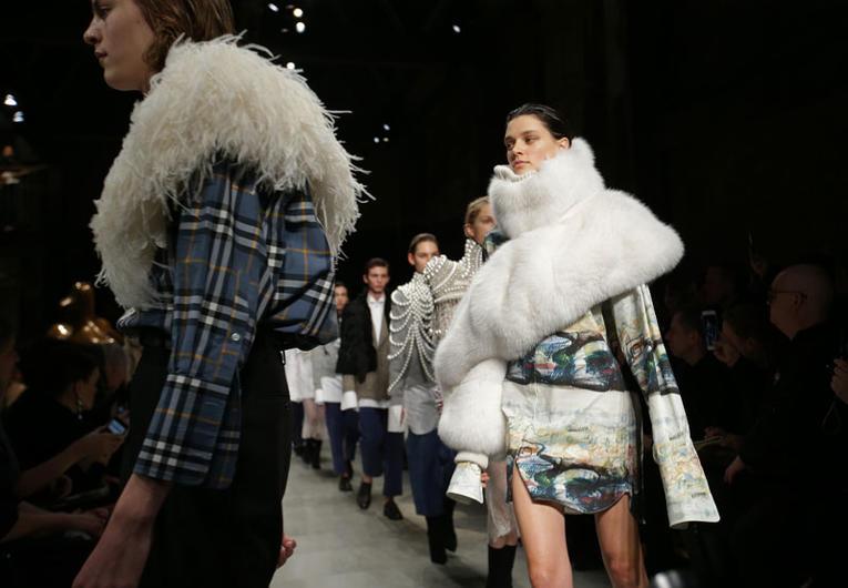 Londres. Plus de fourrure à la Fashion Week Londre10