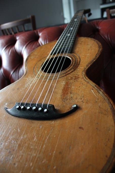 Guitare parlor/romantique début 1900 Img_8419