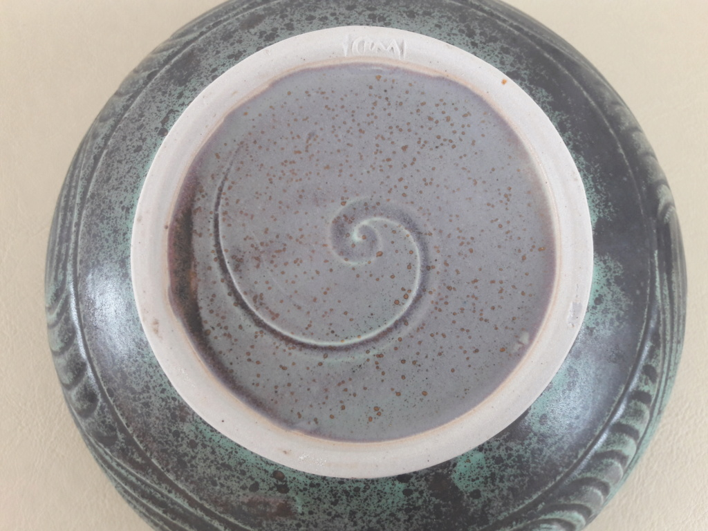 Help Identifying a signed and stamped bowl WD mark  20190724