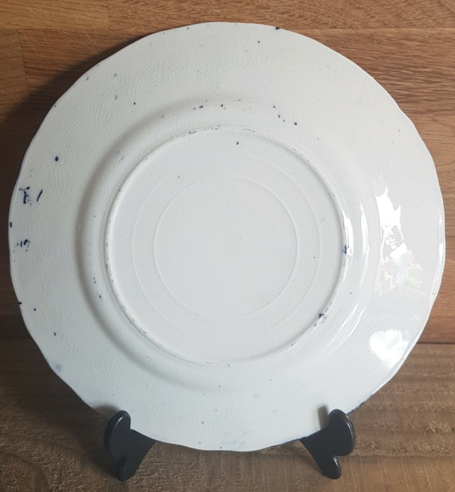 Can anyone help identify the age of these3 blue & white plates? 20210914