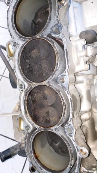 Ανακατασκευή κινητήρα 954 μετά από ράγισμα κυλίνδρων. 20190117
