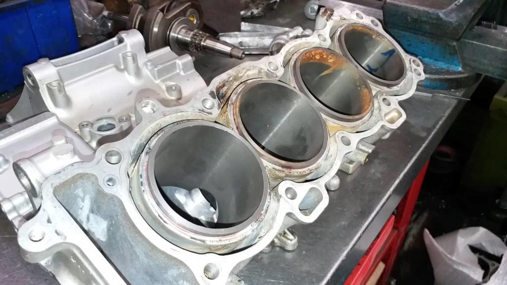 Ανακατασκευή κινητήρα 954 μετά από ράγισμα κυλίνδρων. 60627110