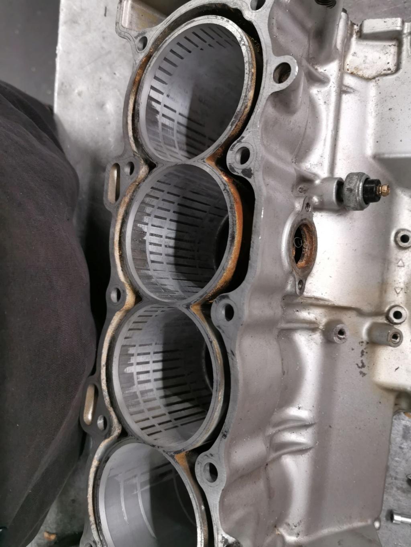 Ανακατασκευή κινητήρα 954 μετά από ράγισμα κυλίνδρων. 60785810