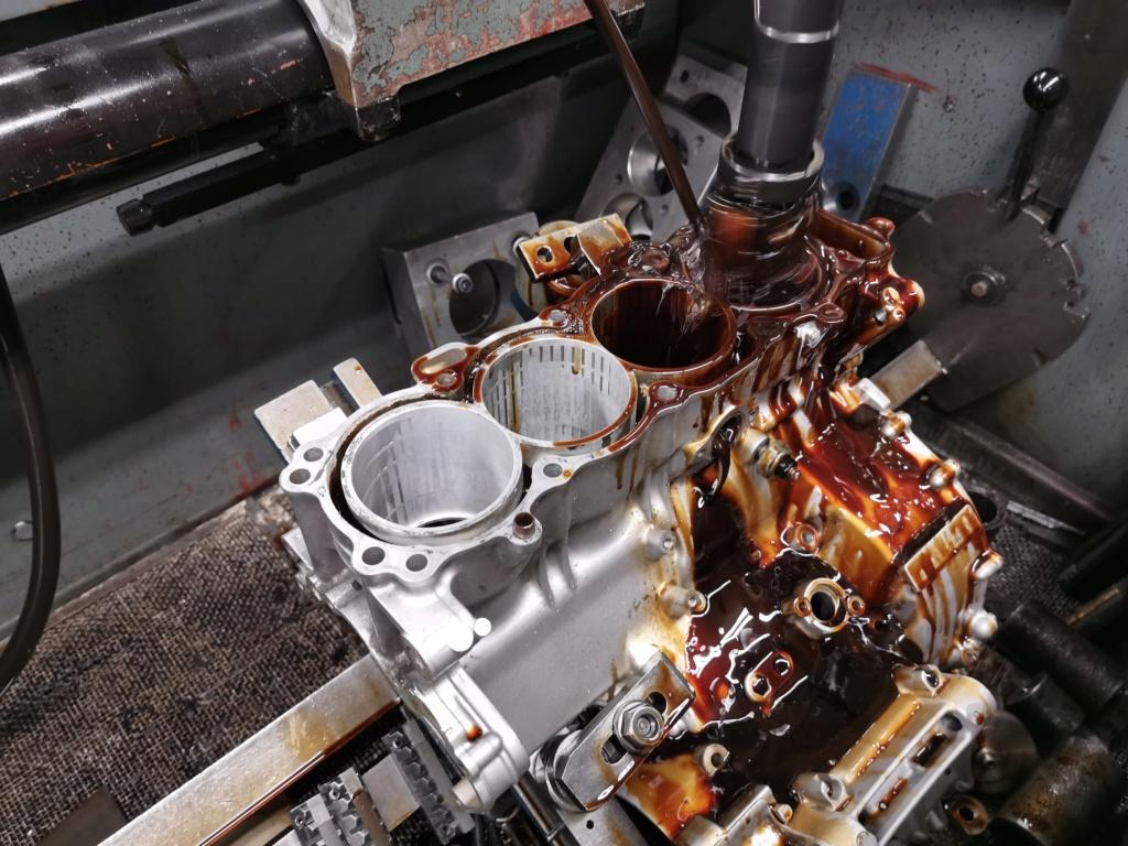 Ανακατασκευή κινητήρα 954 μετά από ράγισμα κυλίνδρων. 61020610