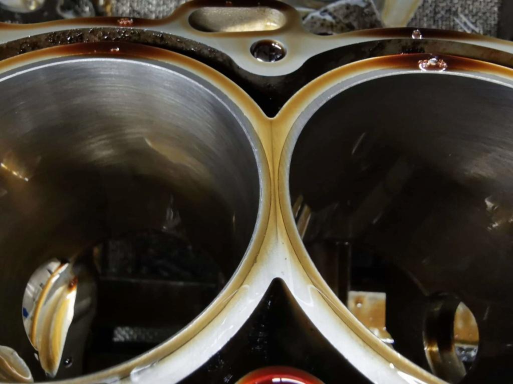 Ανακατασκευή κινητήρα 954 μετά από ράγισμα κυλίνδρων. Receiv11