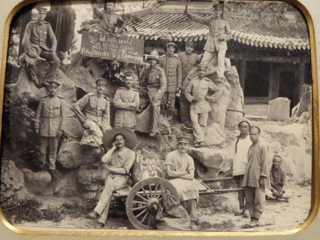Mes dernieres rentrées de Roumanie : dont superbe photo armée allemande en Chine P1060921