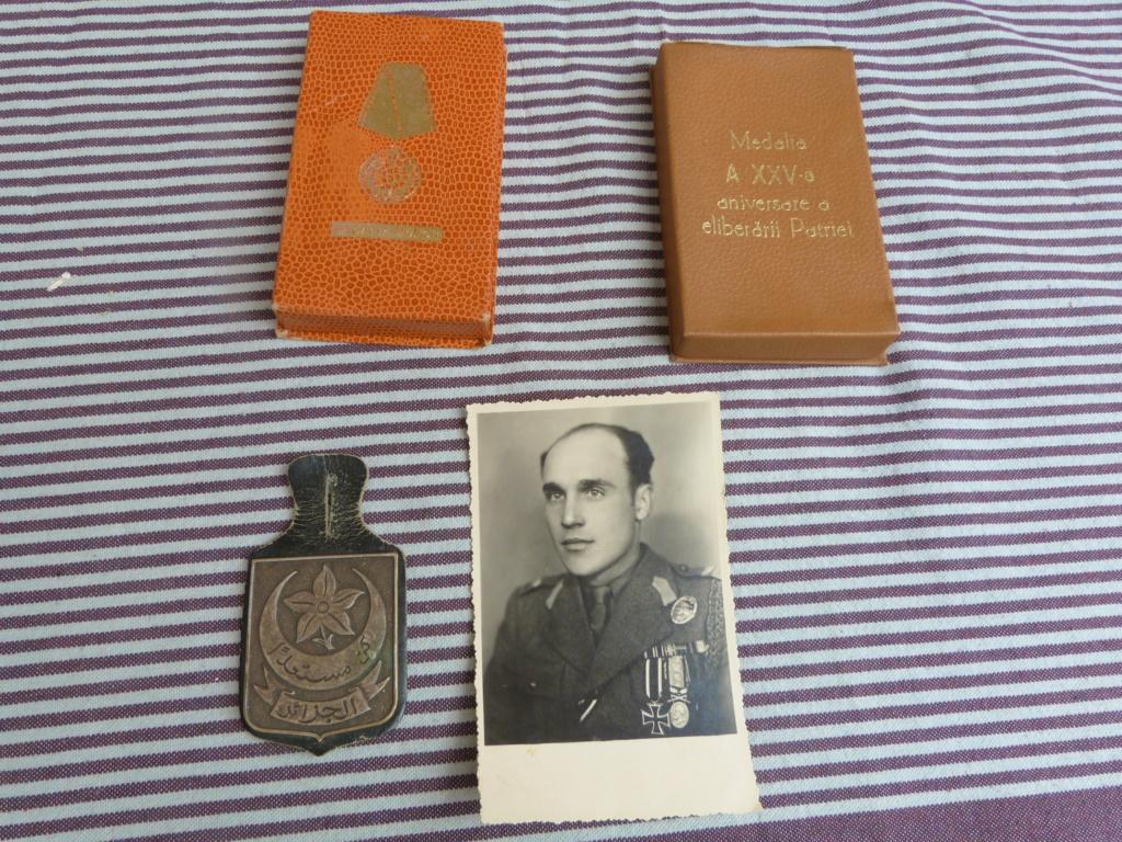 Quelques bricoles : belle photo d'un roumain engagé Wehmarcht, scout, médailles  P1070331