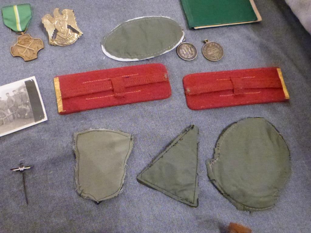 Du varié & international:general roumain, patchs US Navy aero, AK47 baionnette,  P1070338