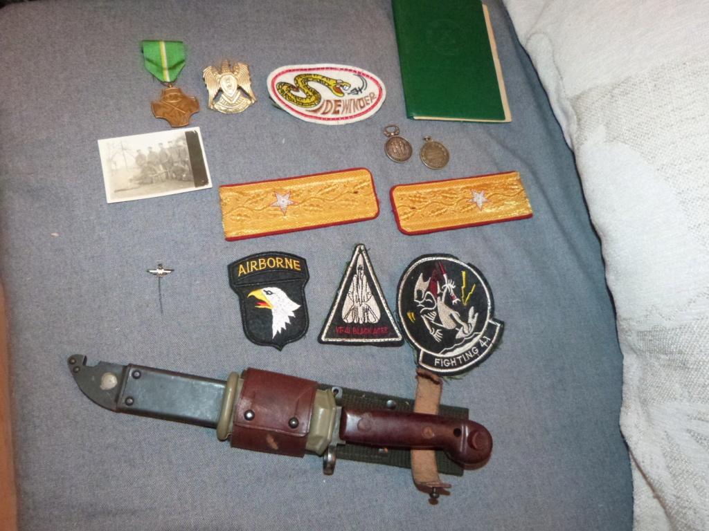 Du varié & international:general roumain, patchs US Navy aero, AK47 baionnette,  P1070341