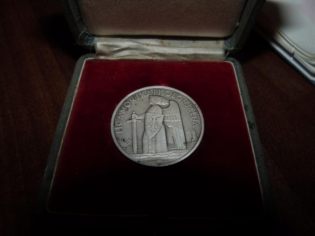 Une maquette marine artisanale d'1m et medaille argent Paquepot MS Pilsudski P1070431