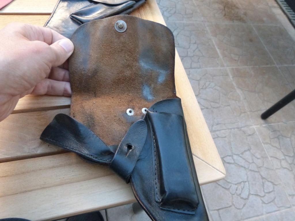 Holster/etui cuir pistolet à identifier P1070957