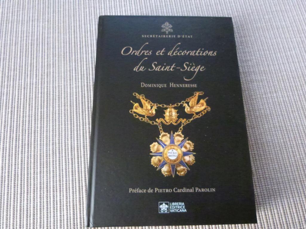Mon cadeau Noel de la super doc sur les decos du Vatican P1080240