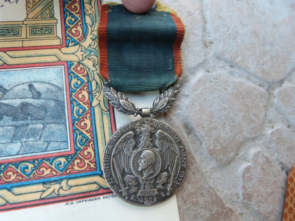 1 ere chine de l'année à Bucarest : allemand, couteau para, et divers P1080316