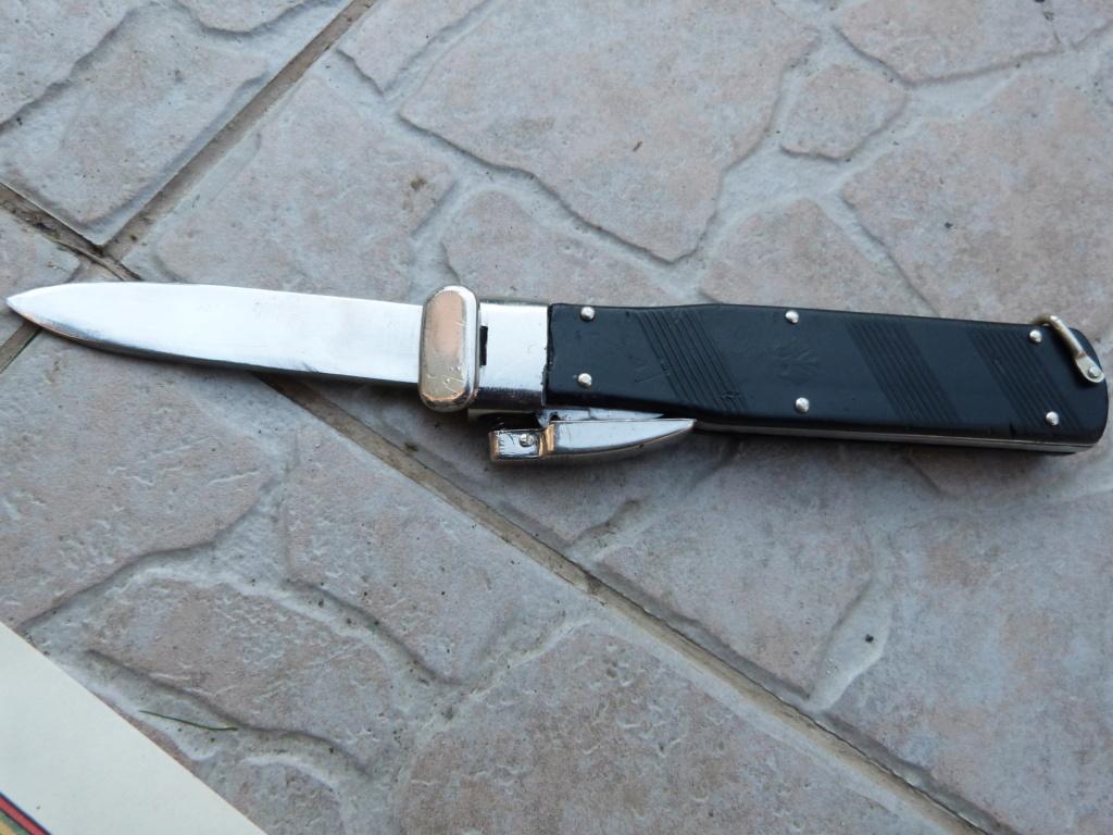 1 ere chine de l'année à Bucarest : allemand, couteau para, et divers P1080319