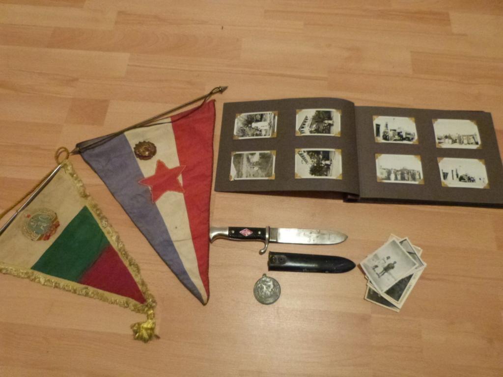 Album photo Maroc 1930, Couteau scout allemand, insignes , fanions ... P1080328