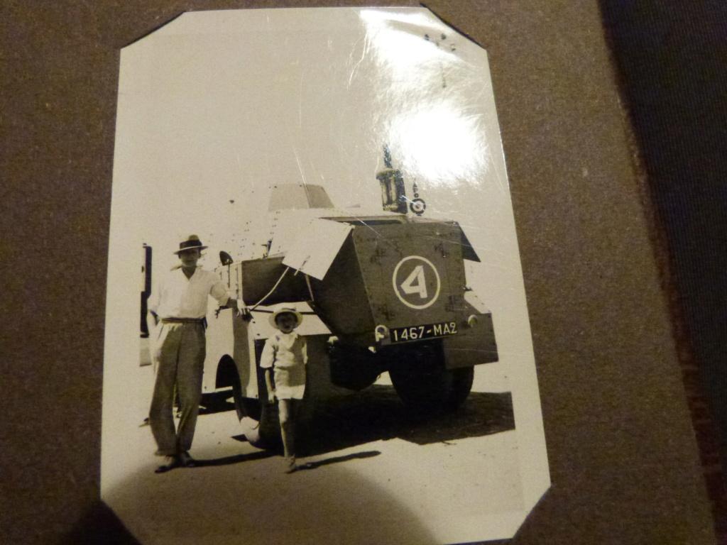 Album photo Maroc 1930, Couteau scout allemand, insignes , fanions ... P1080336
