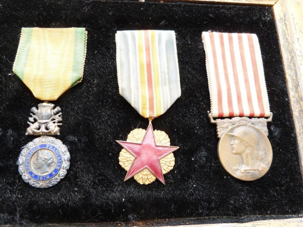 estimation cadre 6 médailles ww1 P1090055