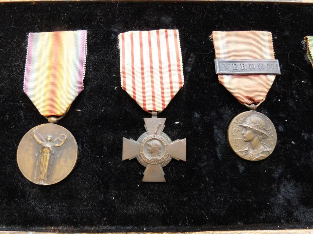 estimation cadre 6 médailles ww1 P1090056