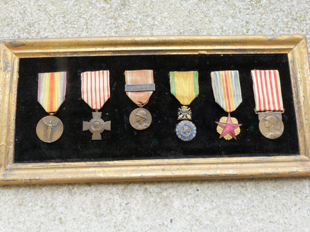 estimation cadre 6 médailles ww1 P1090057