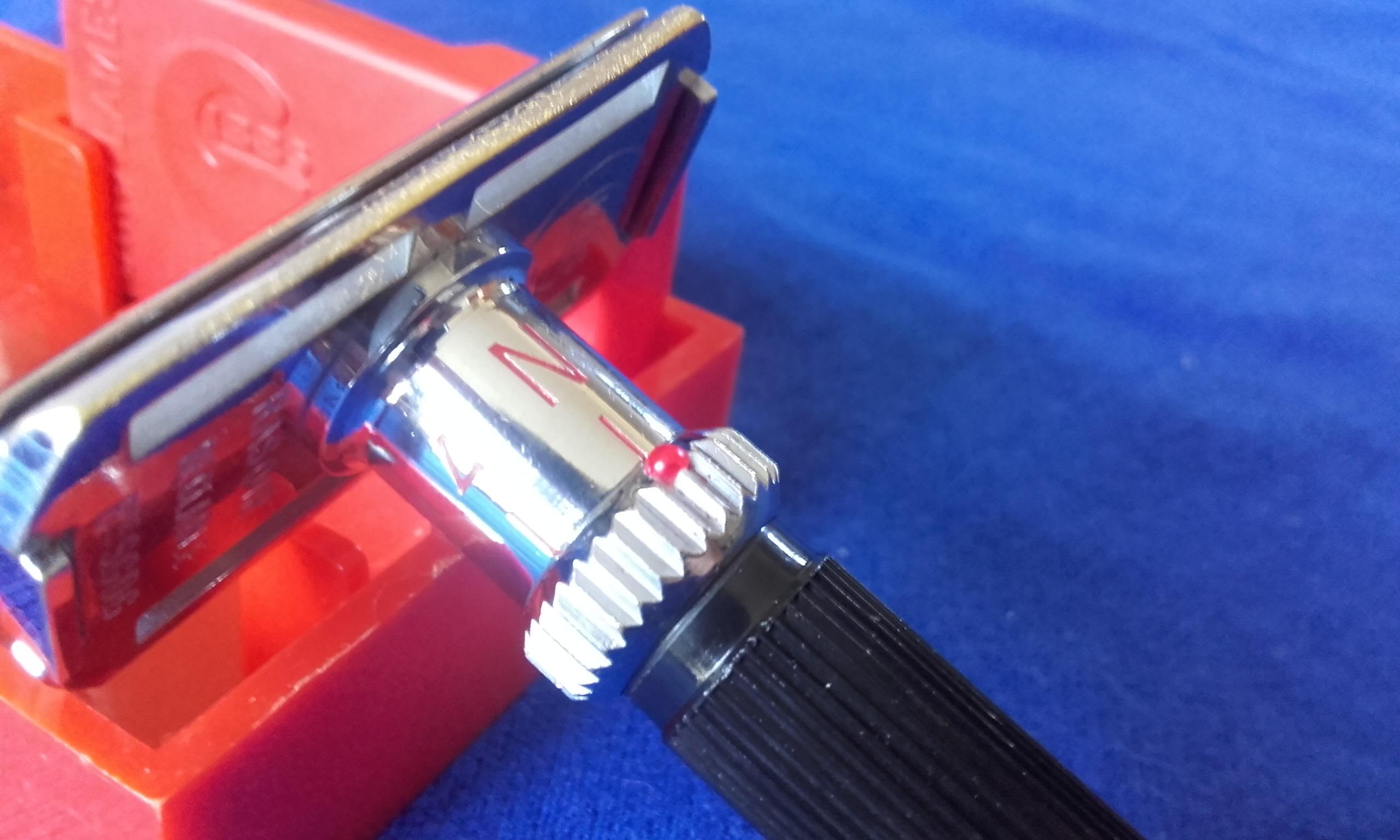 Remplacer la bille rouge sur la molette d'un Gibbs Réglable 20180819