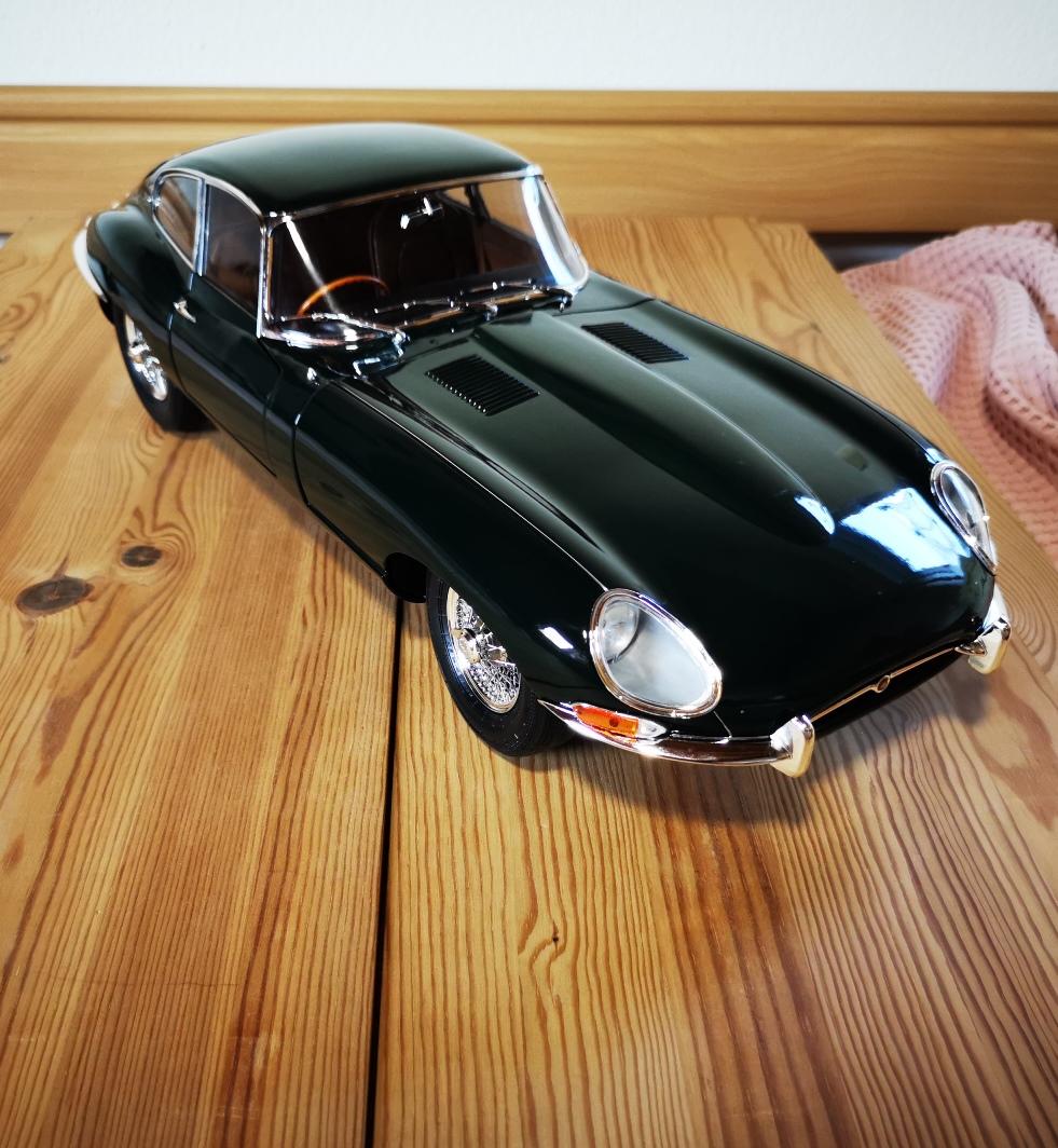 Der Jaguar E-Type von DeAgostini in 1:8 - Seite 7 Jaguar82