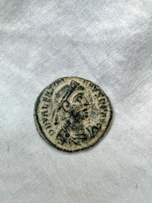 AE3 de Valentiniano I. GLORIA ROMANORVM. Siscia  Anvers10