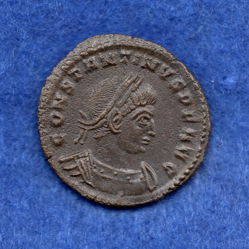 Nummus de Constantino I. SOLI INVICTO COMITI. Trier Rob_1310