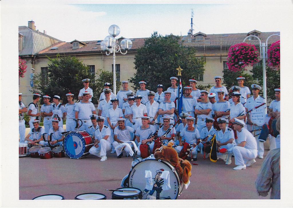 [Musique dans la Marine] Bagad de Saint Mandrier - Page 25 Img_ba12