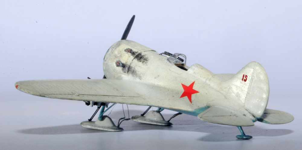 Polikarpov I-16. Du proto au I-185. P&J, Amodel, ICM , ArtModel , Eastern Express MSD 1/72.  - Page 2 05ski10