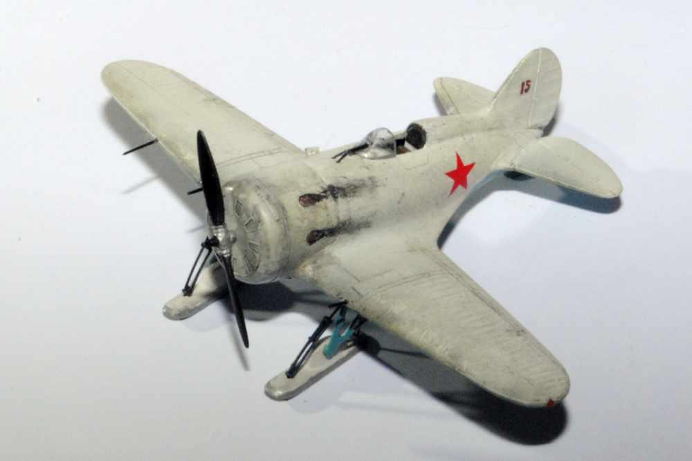 Polikarpov I-16. Du proto au I-185. P&J, Amodel, ICM , ArtModel , Eastern Express MSD 1/72.  - Page 2 Avgski10