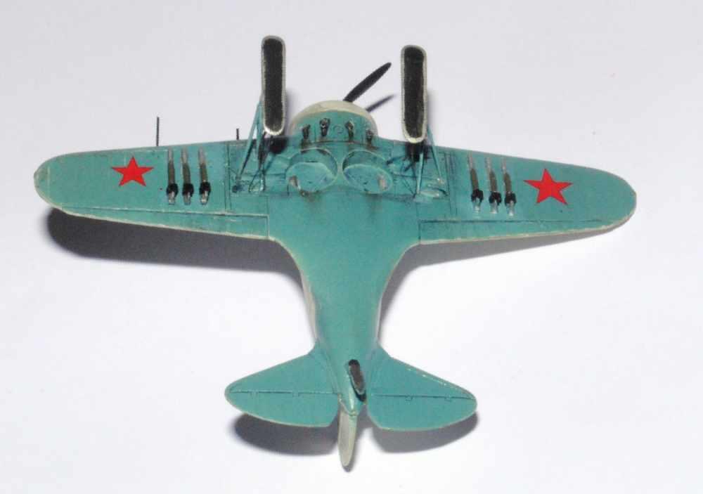 Polikarpov I-16. Du proto au I-185. P&J, Amodel, ICM , ArtModel , Eastern Express MSD 1/72.  - Page 2 Dessou10