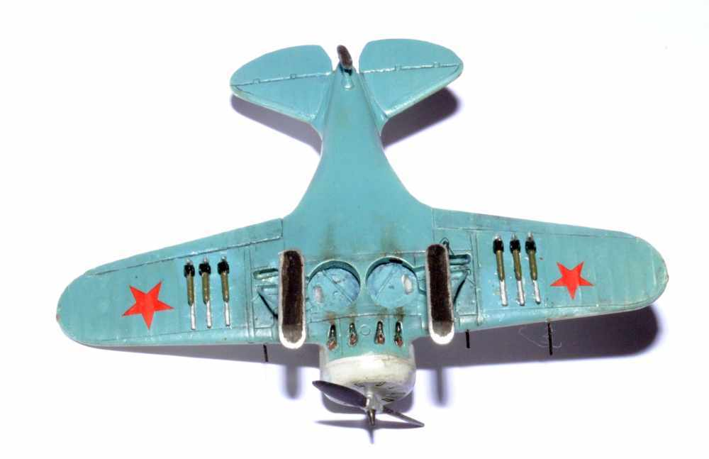 Polikarpov I-16. Du proto au I-185. P&J, Amodel, ICM , ArtModel , Eastern Express MSD 1/72.  - Page 2 Dessou11