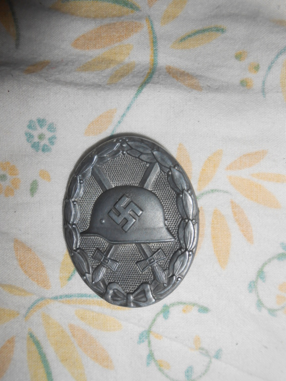 jolie trouvaille médaille  et casque allemand ,braderie lille 2018 Dscn1152