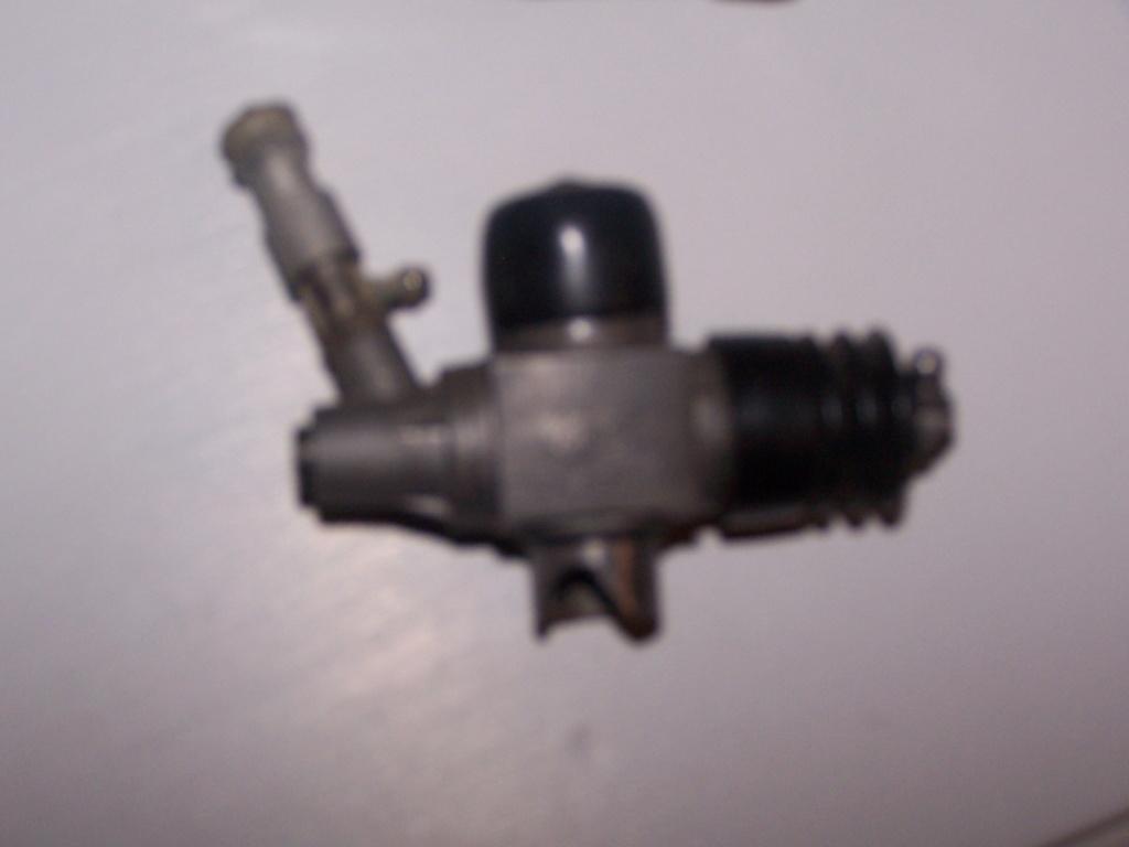 [ECHANGE] moteur os max 21 contre pièces crawler électrique 100_7612